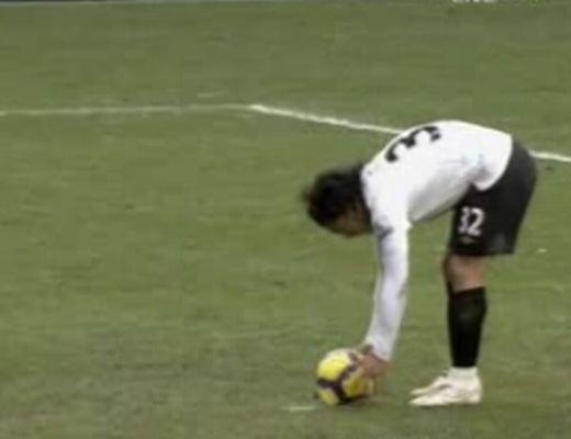 Csúfos zakóba futott bele a Chelsea hazai pályán