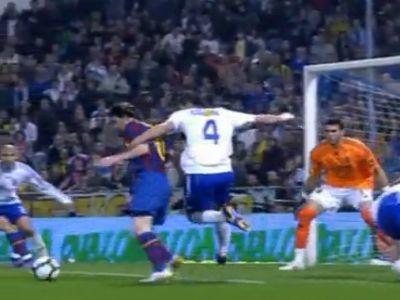 Contini (4) csak szabálytalanul tudta megállítani Messit, ha egyáltalán utólérte