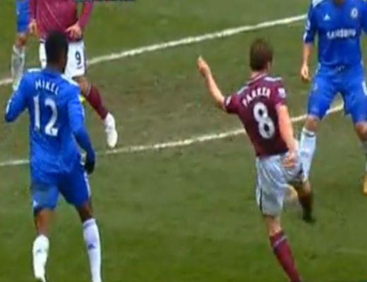 Rooney duplázott, a Manchester még mindig az élen
