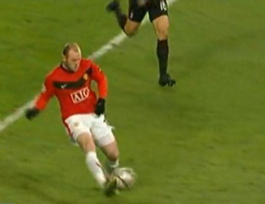 Rooney-val nehéz lesz bírni