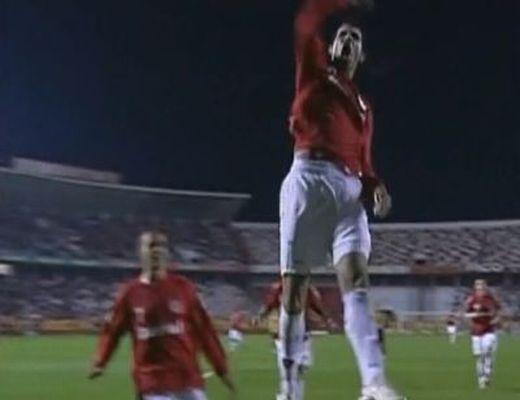 Rieranak elege lett Benitezből, új tehetséget igazol a Tottenham