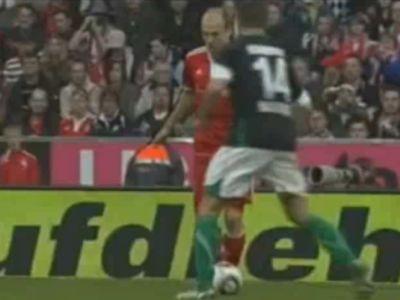 Robben (pirosban) megállíthatatlan volt, akárcsak a Bayern