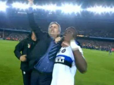 Mourinho ünnepli a Barca elleni továbbjutást