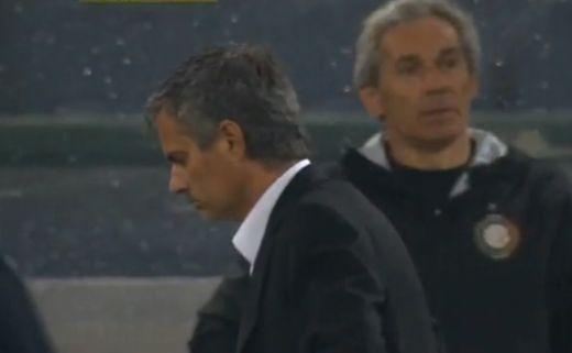 Mourinhot nem engedik el