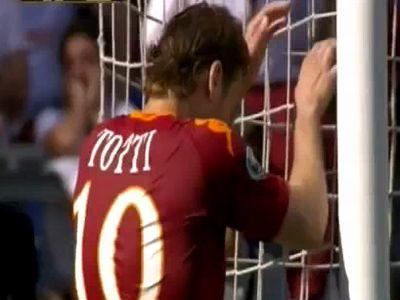 Totti sok helyzetet elpuskázott, de két gólt így is lőtt