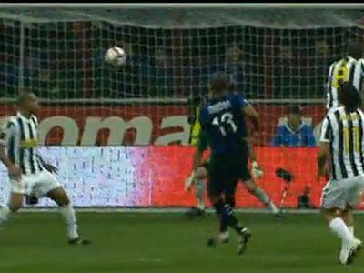 Maicon lő hatalmas gólt a Juventusnak