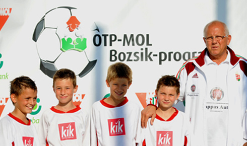 A Bozsik-program tanévnyitó focifesztiváljára Buzánszky Jenő is kilátogatott