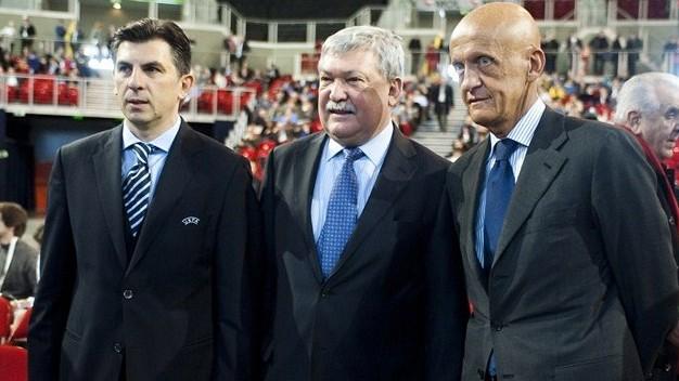 Ioan Lupescu, Csányi Sándor, az MLSZ elnöke és Pierluigi Collina a fórumon