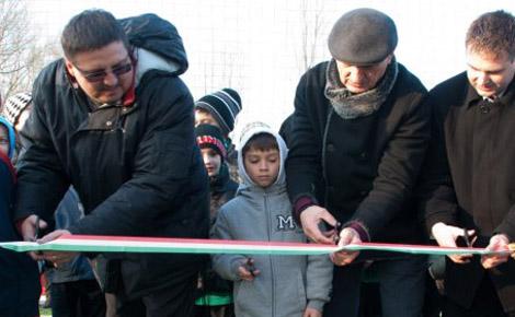 Az MLSZ programjának köszönhetően újabb két műfüves pálya épült