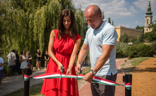 Fitneszparkot és futópályát adott át Simicskó István