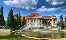 Egykori testnevelői előtt tisztelgett a Debreceni Egyetem
