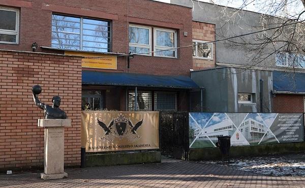 Kollégiummal bővül a Madárfészek Ökölvívó Akadémia központja