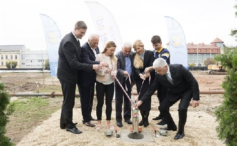 Letették az új nyíregyházi uszoda alapkövét