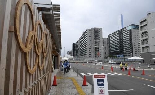 Folyamatosan érkeznek a magyar sportolók az olimpia helyszínére